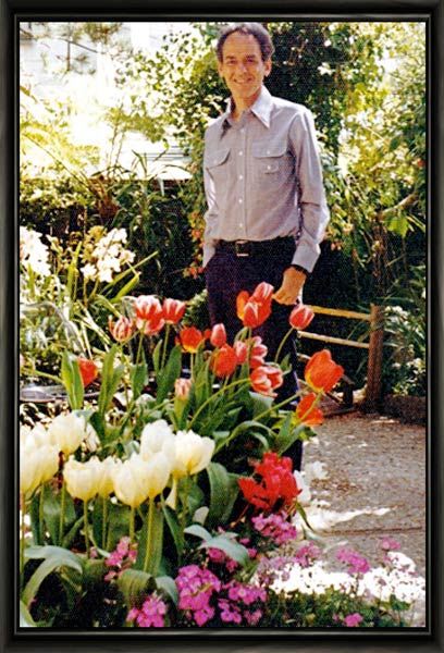 "photo: William ""Bill"" Thetford in Garden"