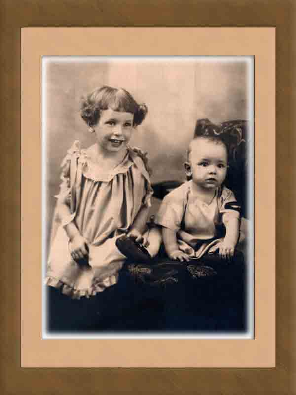 "photo - vintage: Dr. William ""Bill"" Thetford and his sister - 1924"