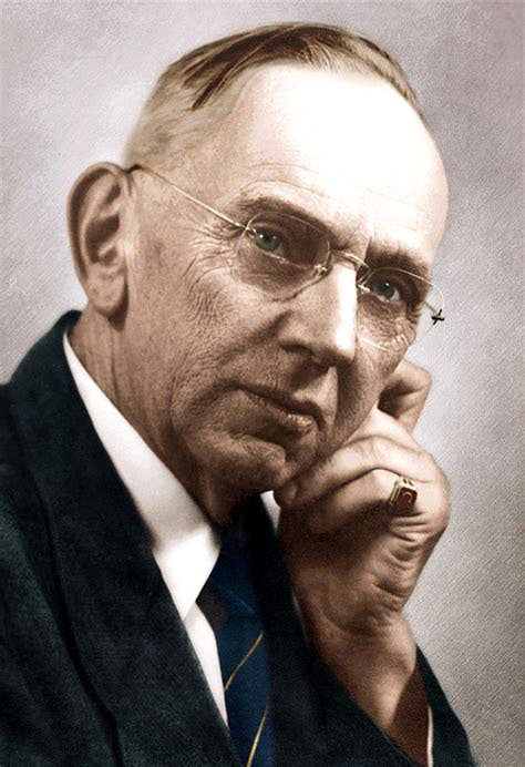 photo - headshot: Edgar Cayce